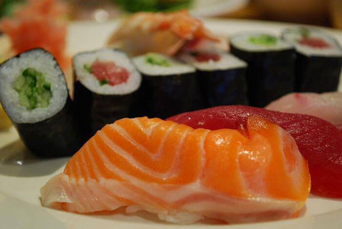 суши нигири