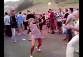 самые нелепые танцы