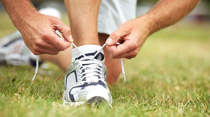 развязались шнурки